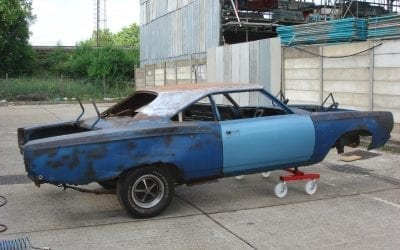The right hand side of the Roadrunner: the rear quarter panels and around the wheel arches are seriously rusted with significant loss of original panel material.